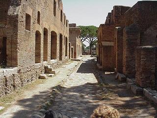 Reabren casas de ostia antigua for Interno 1 ostia